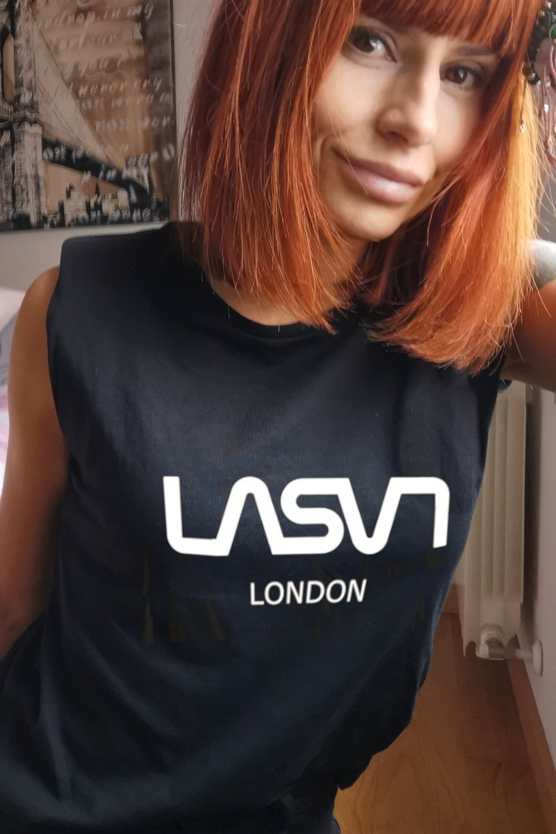 Camiseta de mujer BASIC...