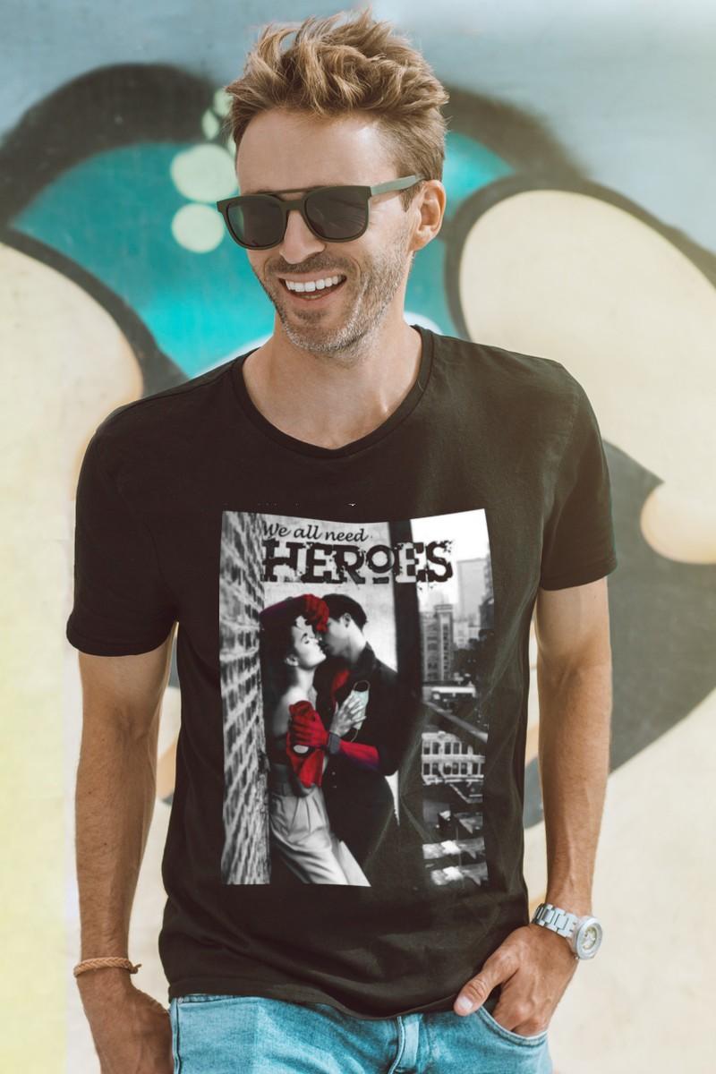 Camiseta hombre Heroes color negro