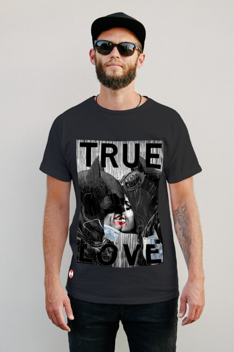 Camiseta TRUE LOVE color negro