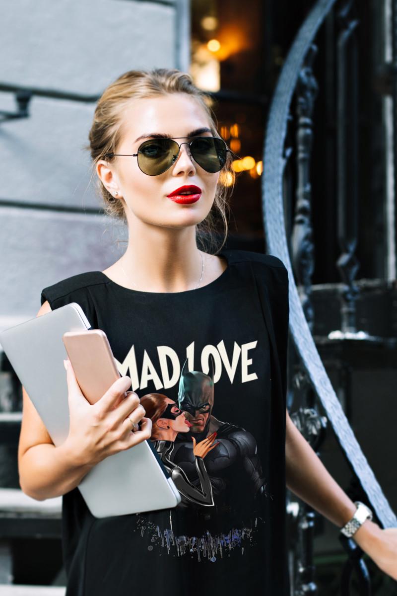 Camiseta de mujer MAD LOVE...